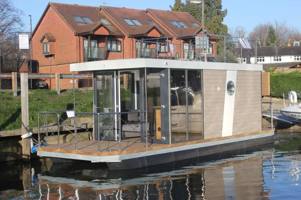 House boats (UK)